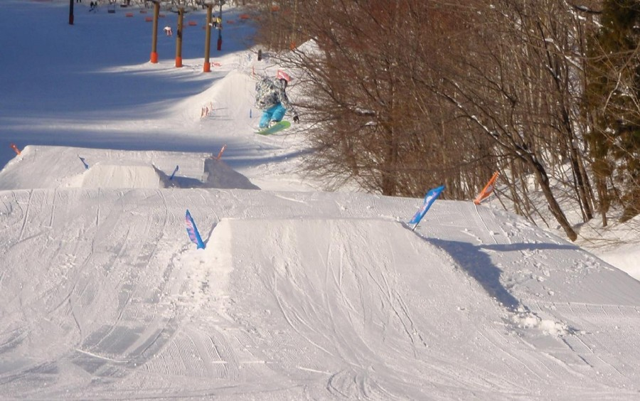 yanaba snow park japan.. first kicker