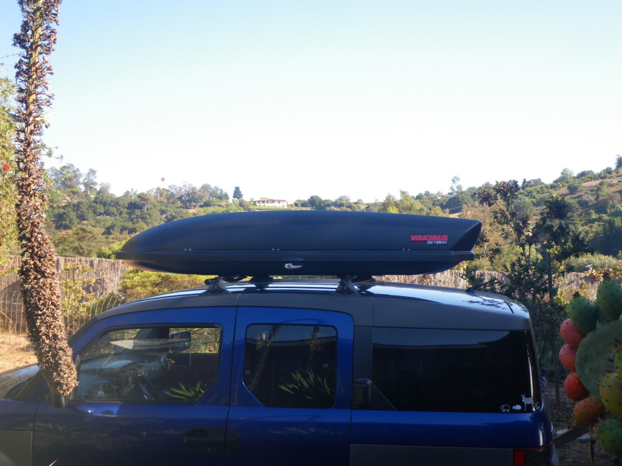 Yakima Sky Box 18 on an Element