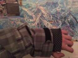 wrist gaiter and pocket