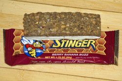 Honey Stinger energy bar   berry banana buzz