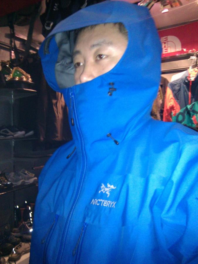 Arc'teryx Alpha SV Jacket - Men's.