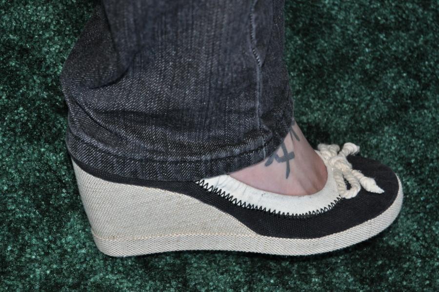 Comfy jeans shoes