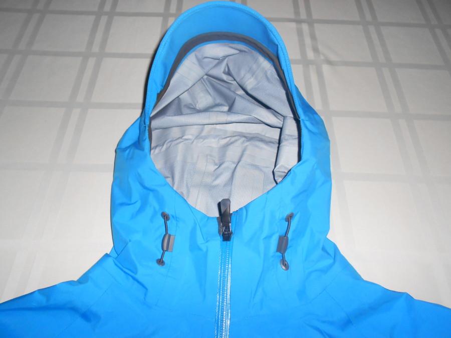 Hood with visor