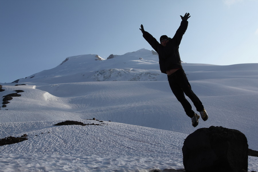 Spantik leap of faith on Mt. Baker