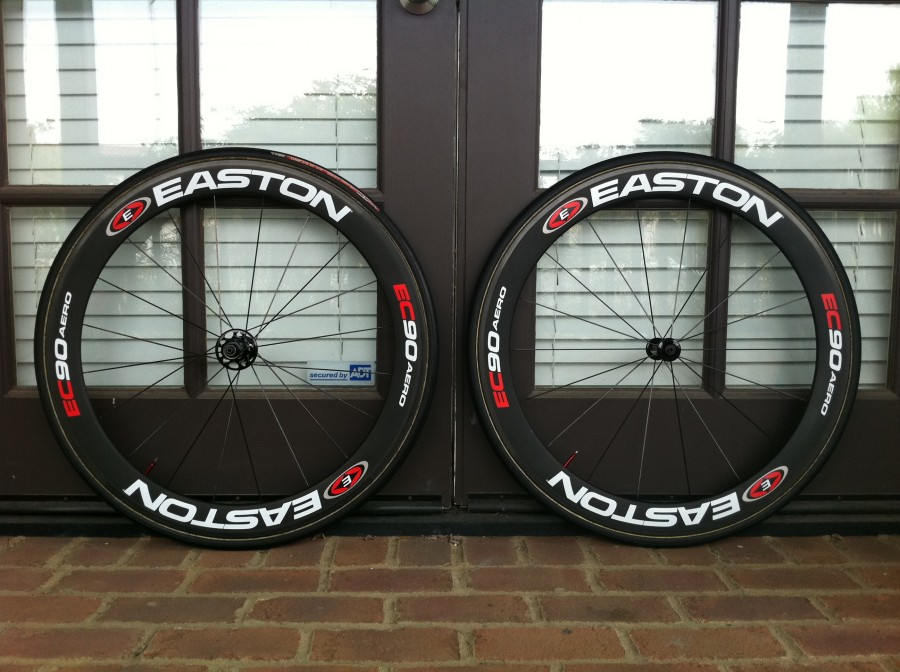 Vittoria Corsa Evo - Tubular on my Easton Carbon Wheel