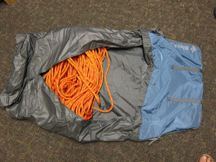 Opening the tarp 70m 9.5mm rope