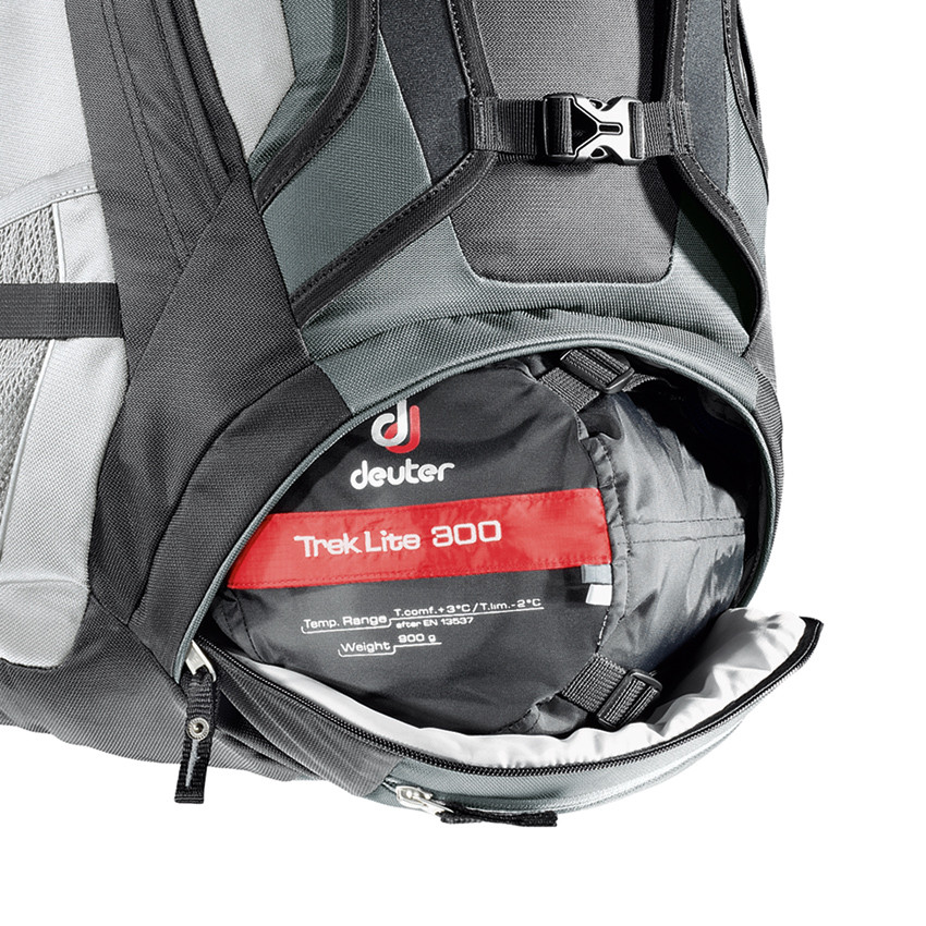 Bottom Access Compartment with Zip Internal Divider