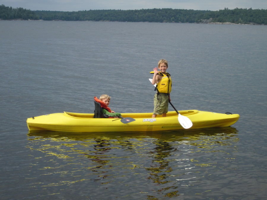 Great canoe, kayak recreational mix - awesome family kayak