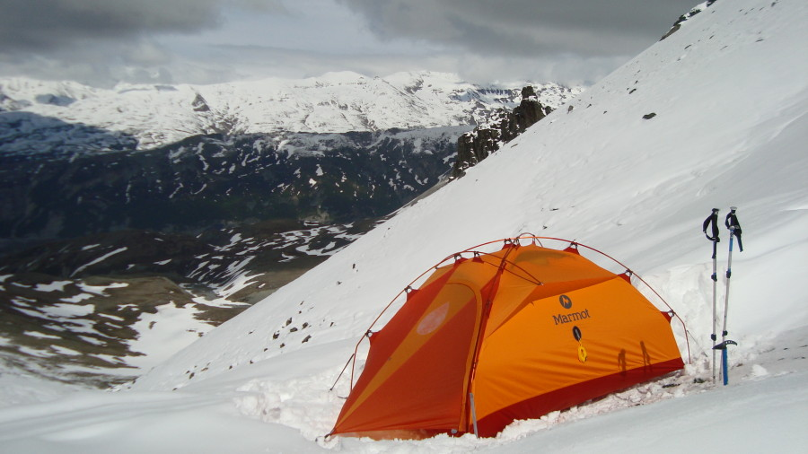 Marmot Alpinist 2p u2013 4 season tent on the snow & Donu0027t Use Pop Up Tents For Winter Camping - BestPopUpTentsGuide