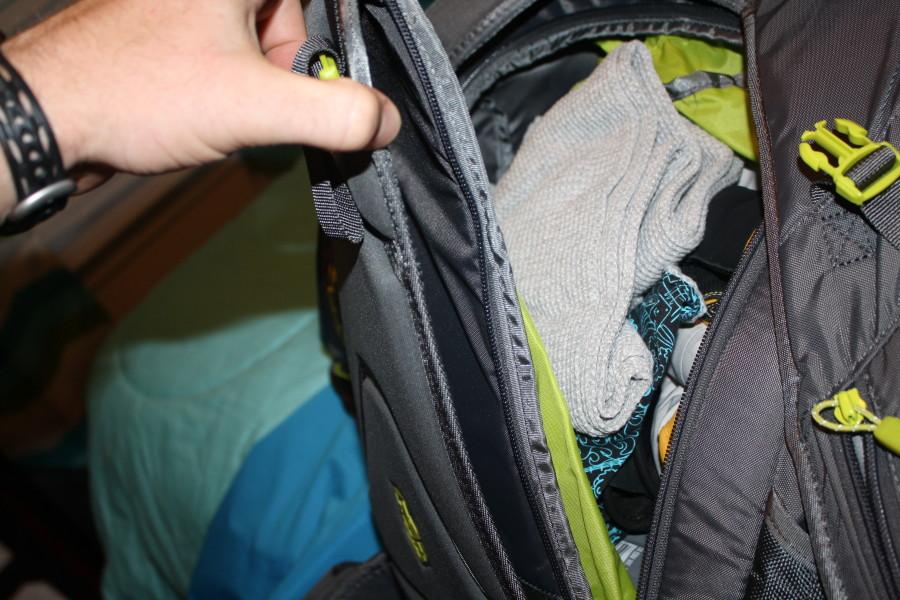 My Dakine Blade back zipper