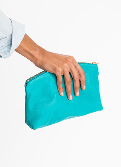 BAGGU <br/> SMALL LEATHER CLUTCH