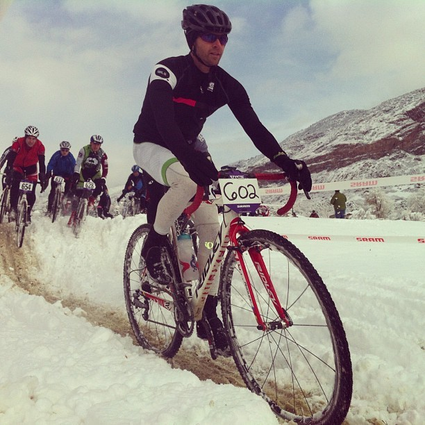 Cross race in the snow