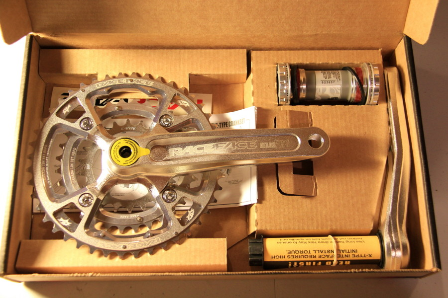 Silver 170 Atlas Crank in the box.