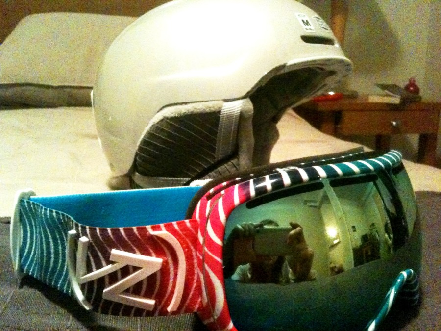 Smith Allure (White Pearl) Helmet with Von Zipper Charka Love in Skull Candy Goggles