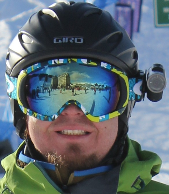 Hey there both have the same frame shape/style so both are going & Oakley Canopy Goggle | Backcountry.com