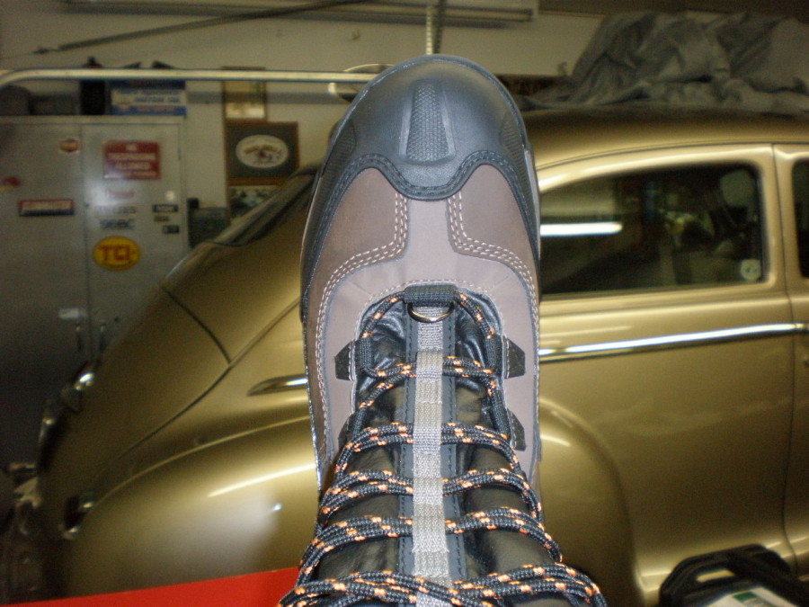 Toe cap and lacing top view