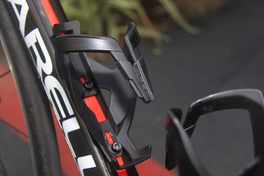 Red Elite Custom Race Plus Bike Bicycle Cycling Water Bottle Cage